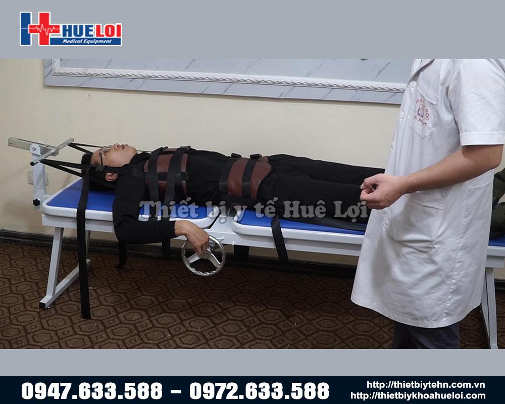 giường kéo giãn cơ học